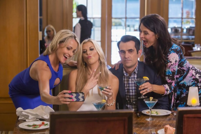 Modern Family Season 8 01