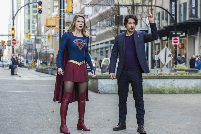 Supergirl season 2 blu-ray 01